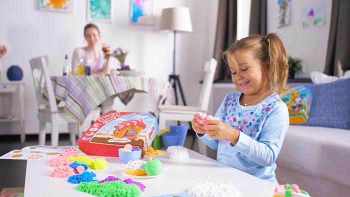 Фото №1 - Пушистый пластилин: дети играют, мамы отдыхают
