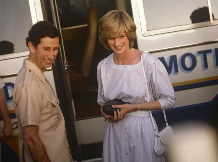 Фото №2 - Причина краха: кого принц Чарльз винил в своем неудачном браке с Дианой