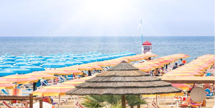 Фото №1 - Отели итальянского Риччоне примут туристов бесплатно 29 мая
