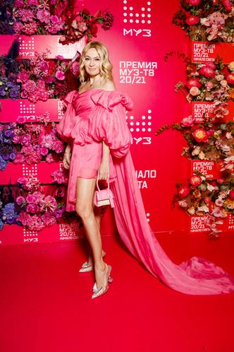 Фото №1 - Экс-редактор Vogue назвала самых безвкусных звезд