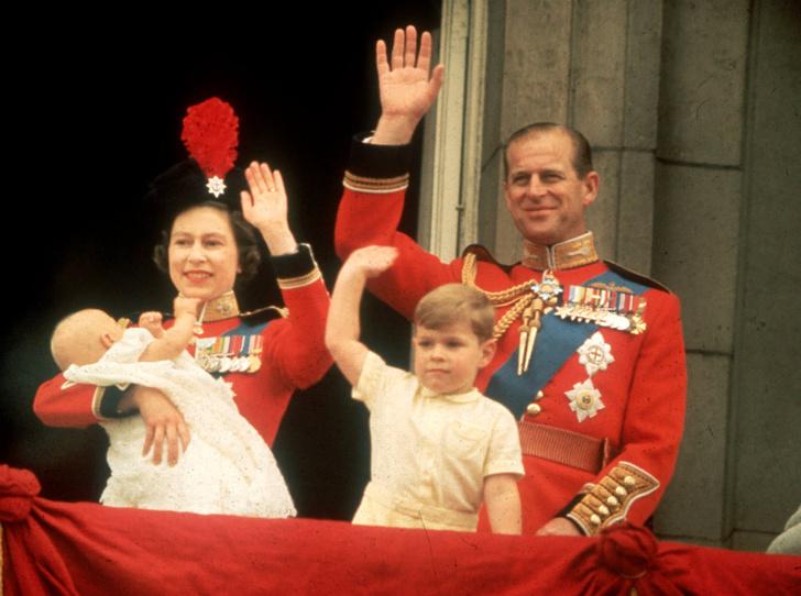 Фото №1 - Неожиданная причина, почему принц Филипп никогда не хотел стать королем