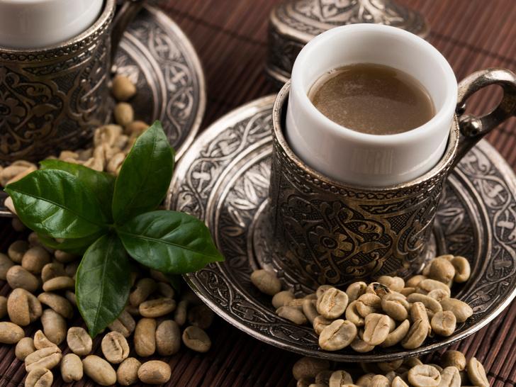 Фото №1 - Зеленый кофе: помощник в похудении или опасный враг вашего здоровья?