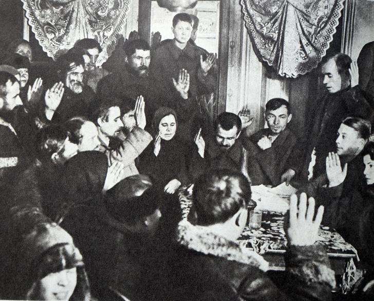 Фото №1 - Почему в Советском Союзе не было выходных целых 11 лет и как это разрушило семьи