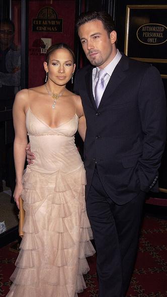 Фото №4 - 19 лет спустя: сравниваем два официальных дебюта Бена Аффлека и Дженнифер Лопесв качестве пары