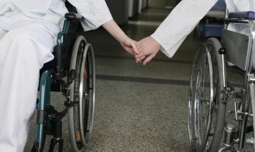 Фото №1 - Как глава Ленобласти хочет помочь детям — инвалидам