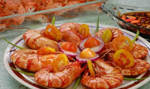Фото №1 - Без слоеных салатов и красного мяса. 5 рецептов легких блюд к праздничному столу
