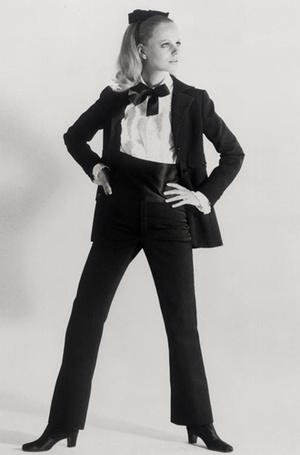 Фото №2 - Вещи-легенды: модное наследие Yves Saint-Laurent