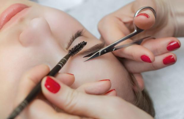 почему нельзя стричь брови ножницами при коррекции женщинам мужчинам