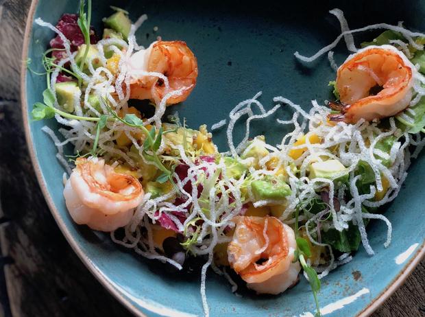 Фото №2 - 4 рецепта рыбных салатов для летнего обеда