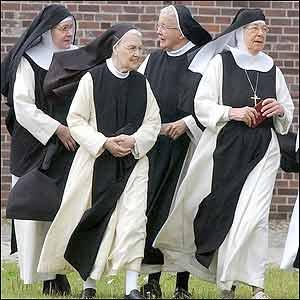 Фото №1 - Монахи вымирают