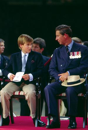 Фото №25 - Фирменные позы и жесты королевских особ (а вы замечали?)