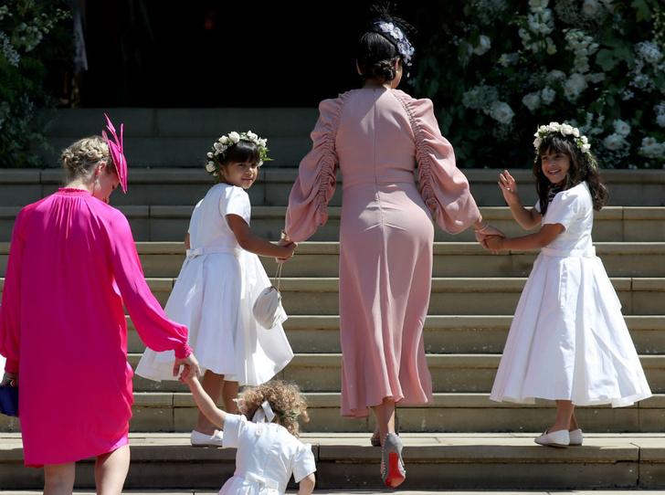 Фото №3 - Война герцогинь: из-за чего Кейт и Меган поссорились перед свадьбой Сассекских