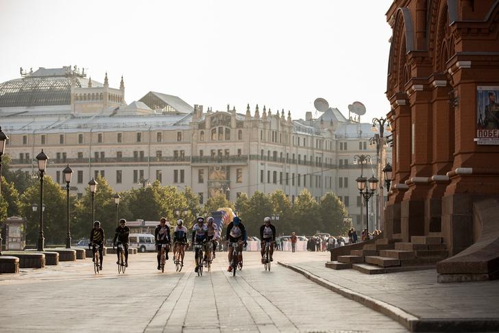 Фото №1 - В Москве стартовала самая протяженная шоссейная велогонка в мире