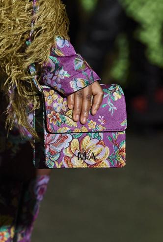 Фото №33 - Самые модные сумки осени и зимы 2020/21