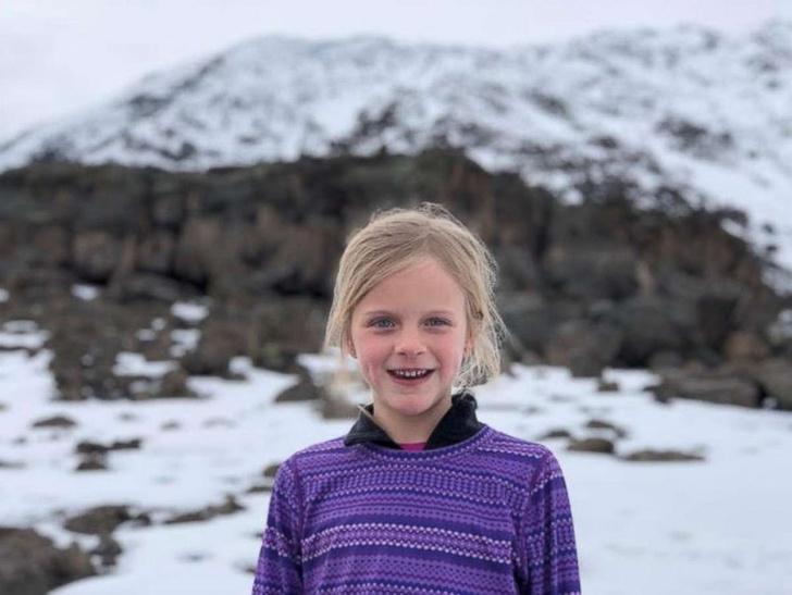 Фото №1 - 7-летняя девочка покорила вершину Килиманджаро в память об умершем отце