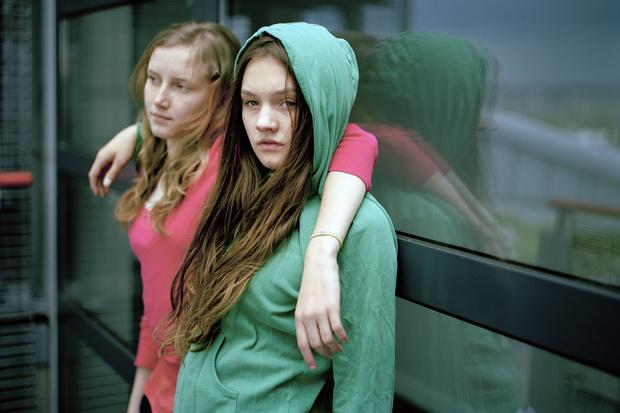 Фото №1 - Эволюция желаний: чего хотят девушки от 13 до 22?