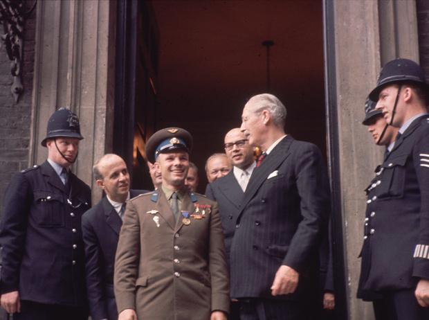 Фото №7 - Юрий Гагарин в Великобритании: как советский космонавт покорил Королеву и всех ее подданных