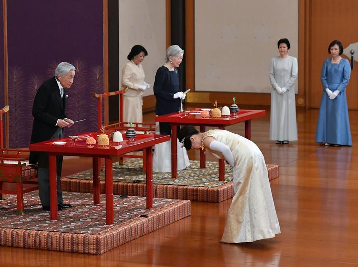 Фото №9 - В Японии стало на одну принцессу меньше (и на одну счастливую девушку больше)
