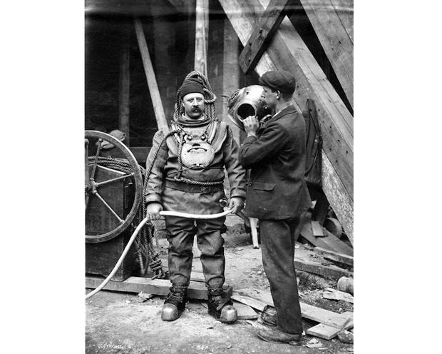 Фото №2 - Почему Жак Ив Кусто носил красную шапку?