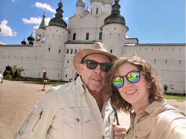 Фото №1 - Молодая жена Макаревича рассказала о совместной жизни с 66-летним рокером