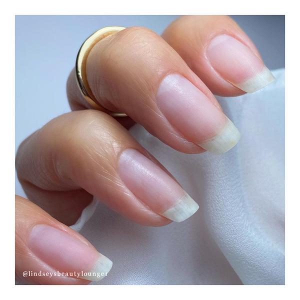 Фото №3 - Почему желтеют ногти и как вернуть им здоровый цвет