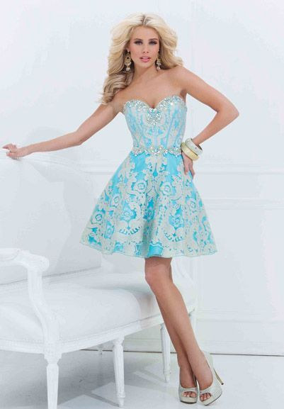 Фото №3 - Платье на выпускной 2021: главные АНТИтренды ❌