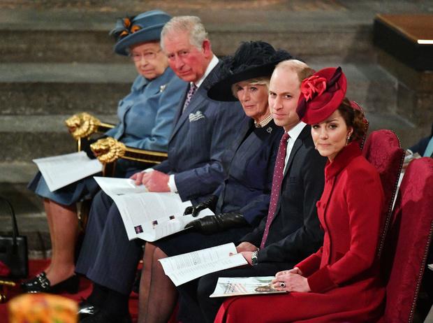 Фото №3 - Напряженный момент: что не так с последней официальной встречей Кембриджских и Сассекских