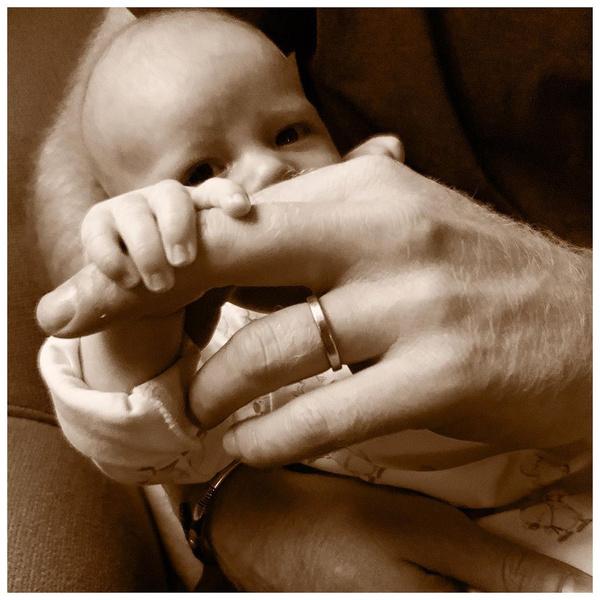 Фото №4 - Сыну принца Гарри и Меган Маркл— 2 года: как выглядит ребенок, которого не показывают прессе
