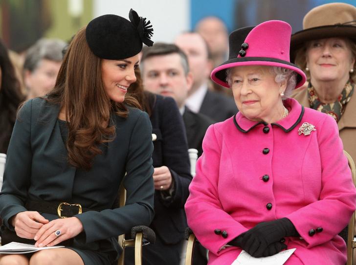 Фото №1 - Что восхищает Королеву в герцогине Кейт