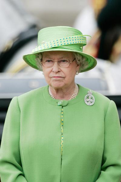 <p>Елизавета II пока никак не прокомментировала произошедшее </p>