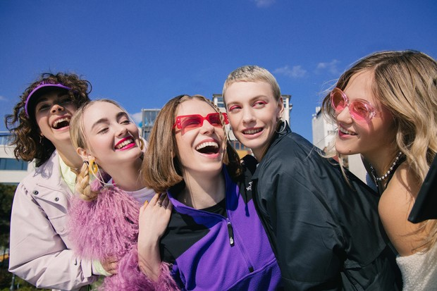 Фото №1 - Фокус на тебе: StreetBeat совместно с Nike,PUMA,ASICS,VansиJordan выпустили проект про обычных девушек