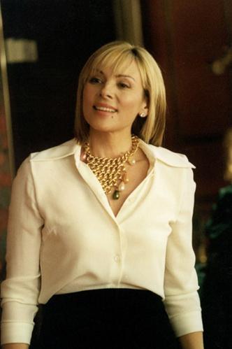 Фото №1 - Ким Кэтролл: как одевается Саманта в сериале и актриса в жизни