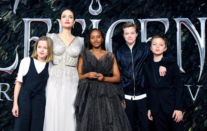 Дети Анджелины Джоли и Брэда Питта: фото