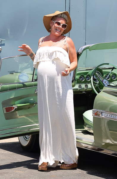 Фото №2 - Звезды, которые жутко растолстели за беременность: 10 фото