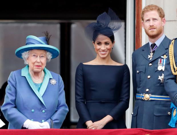 Фото №1 - Меган Маркл и принц Гарри предложили королеве новую сделку