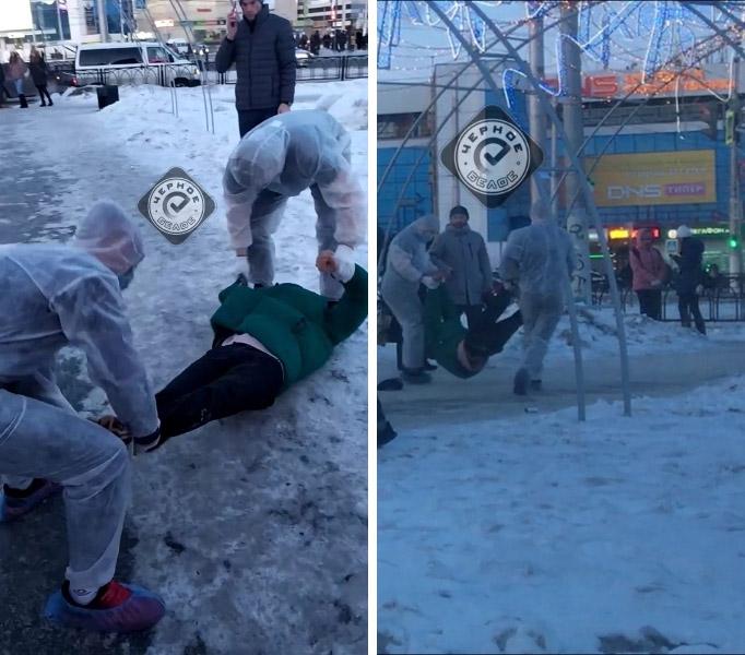 Фото №2 - В Магнитогорске блогер разыграл прохожих, притворившись, что у него коронавирус (видео)