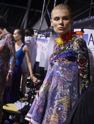 Фото №11 - Неделя моды в Милане: Versace, Roberto Cavalli, DSquared2