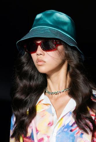 Фото №5 - Шляпы, панамы и кепки: модные головные уборы для лета 2020