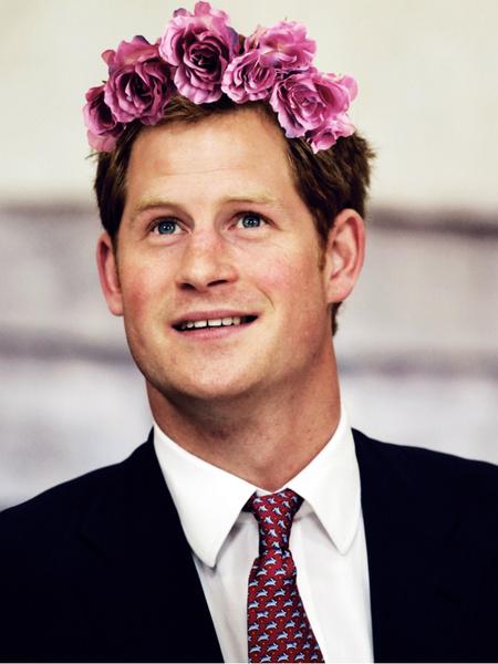 Фото №1 - Принц Гарри возглавил рейтинг самых привлекательных королевских особ
