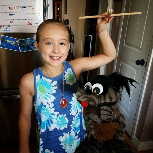 Фото №1 - Сильнее, чем взрослые: 8-летняя девочка победила рак груди