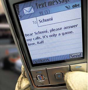 Фото №1 - SMS захватил городские телефоны