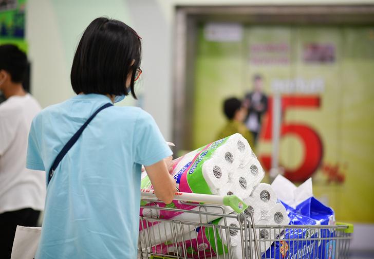 Фото №1 - Появилось специальное слово для людей, из-за эпидемии опустошающих супермаркеты