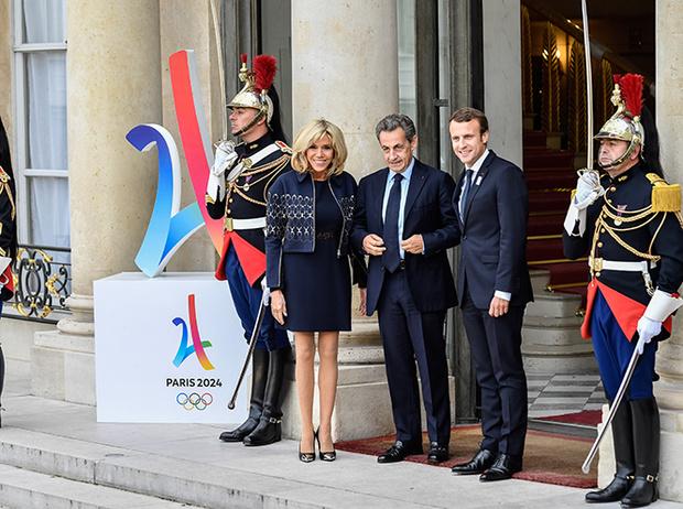 Фото №3 - Как Брижит Макрон сняла табу на мини-юбки и стала новой иконой стиля Франции