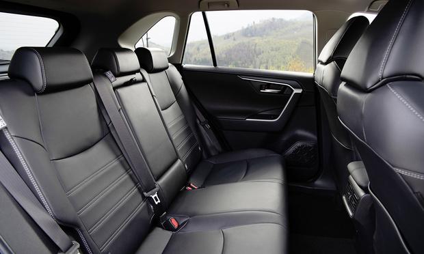 Фото №4 - Toyota RAV4: вне зоны комфорта