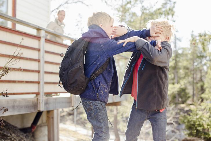 Фото №1 - Воспитать победителя: почему так важно научить ребенка давать сдачи