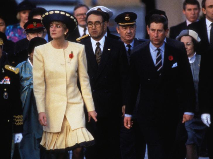 Фото №2 - Плачущая Диана и беспомощный Чарльз: как Уэльские «опозорили» Британию в туре по Южной Корее
