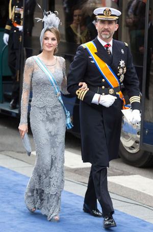 Фото №7 - Какие головные уборы носит королева Летиция