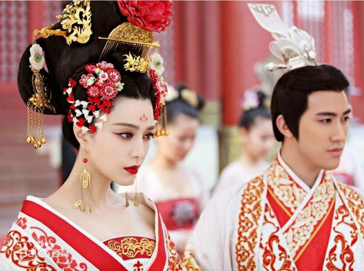 Фото №8 - Через интриги к власти: история У Цзэтянь— наложницы, ставшей императором Китая