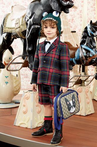 Фото №2 - Золотая карусель: лукбук осенне-зимней детской коллекции Gucci 2016/17