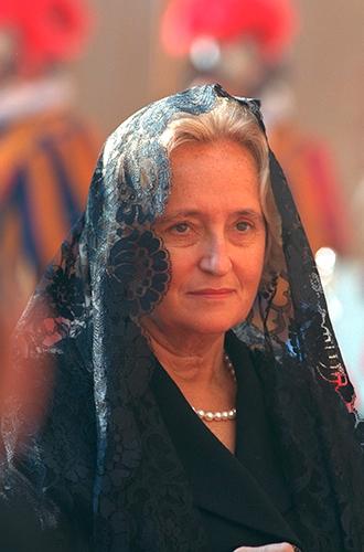 Фото №22 - Первые леди Франции: от Ивонны де Голль до Карлы Бруни-Саркози
